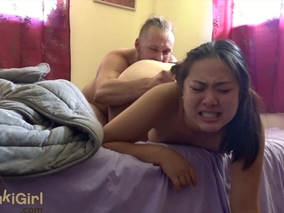 She squirts in a little while he cums! ( @sukisukigirlreal / @andregotbars )